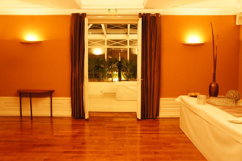 location salle mariage anniversaire ch teau de montchat lyon photos. Black Bedroom Furniture Sets. Home Design Ideas